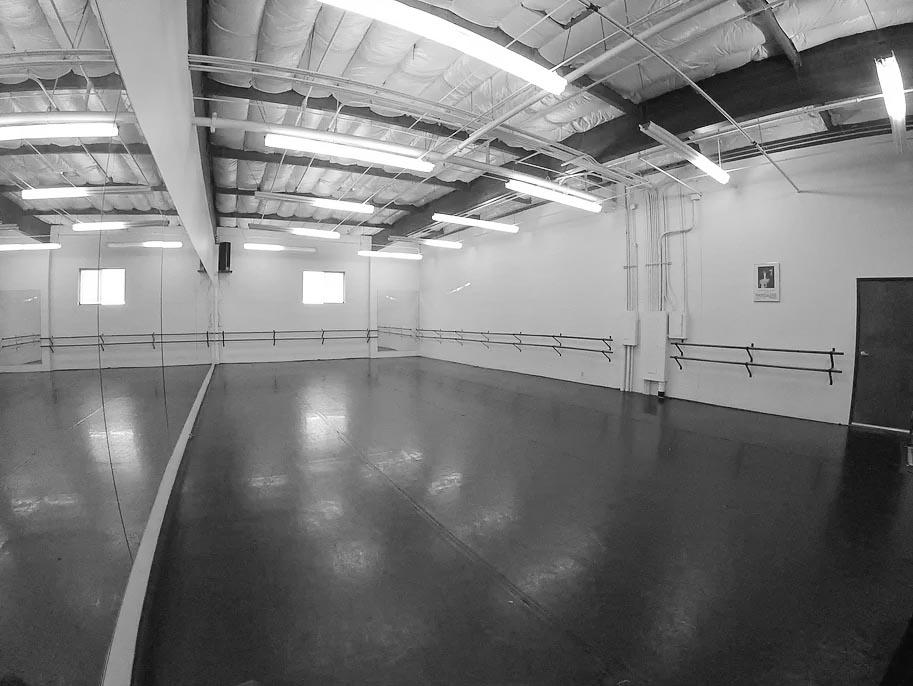 Studio B (1400 SQ. FT.)
